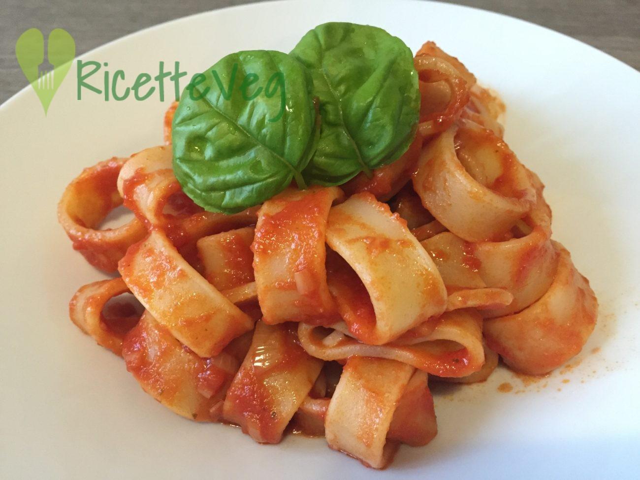 Calamaretti di Gragnano al sugo di peperoni – Ricetta Vegana
